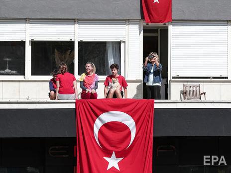 Количество инфицированных коронавирусом в Турции превысило 100 тыс.