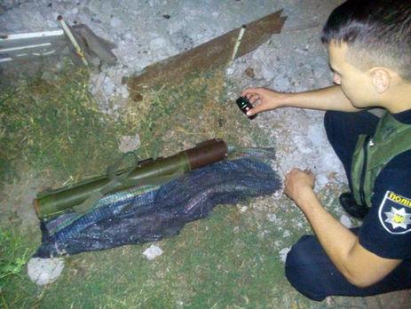Среди руин вМариуполе дети отыскали гранатомет