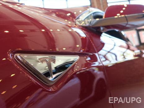 Tesla рассчитывает выпустить новейшую версиюПО для автопилота