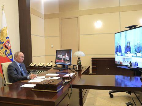 """""""Пик еще не пройден"""". Путин объявил о продлении карантина в России"""