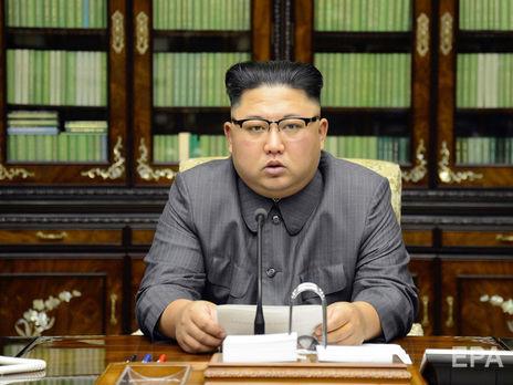 Ким Чен Ынпоявился напублике,