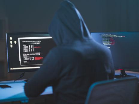 Власти Великобритании заявили, что иностранные хакеры пытаются украсть результаты исследований коронавируса