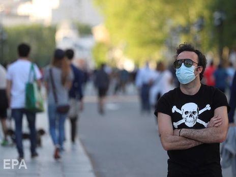 В Испании вновь выросла суточная смертность от коронавируса. В стране продлили действие чрезвычайного положения