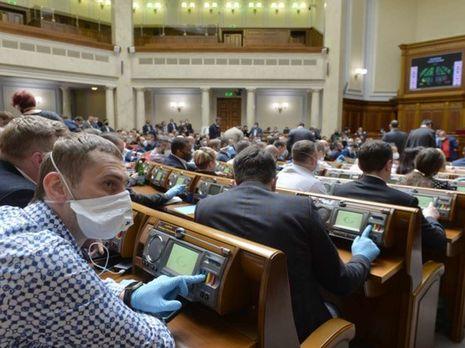 """Рада приняла закон о проведении """"усиленного тестирования"""" на коронавирус в Украине"""