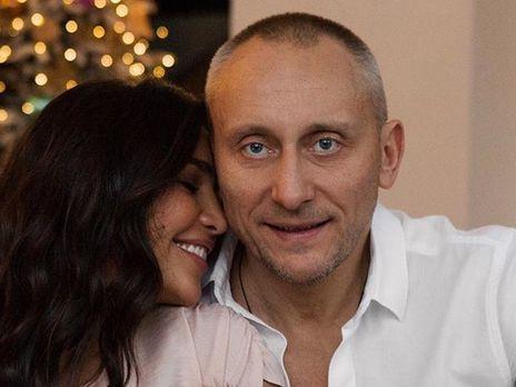 """""""Муж лежал в больнице 12 дней, двое знакомых умерли"""". Димоулос рассказала, как ее окружение перенесло COVID-19"""