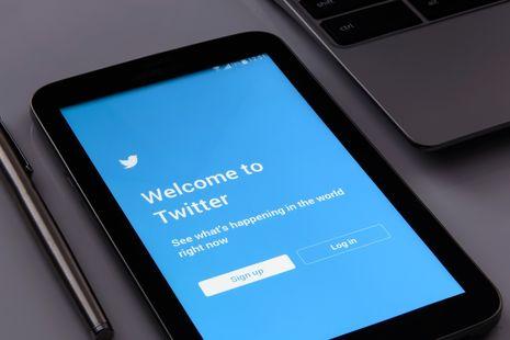 Twitter будет скрывать посты, содержащие фейковую информацию о COVID-19