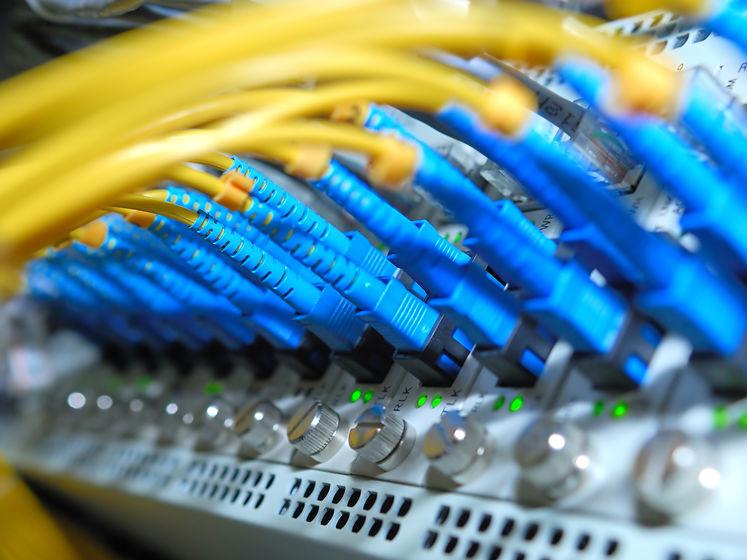 НАЗК і приватна компанія не змогли домовитися про вартість оренди серверів для реєстру е-декларацій. Відкрито два провадження