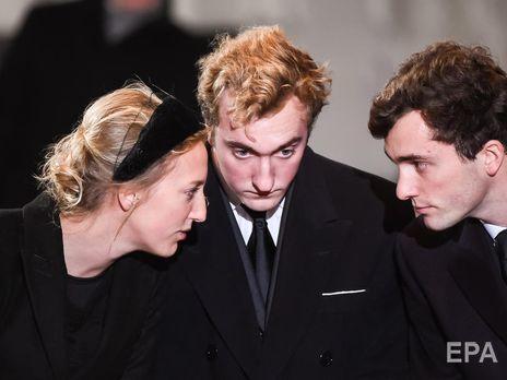Другий син принцеси Астрід Бельгійської та ерцгерцога Лоренца Австрійського-Есте Йоахім (у центрі) заразився коронавірусом на вечірці
