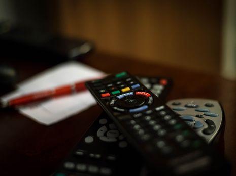С октября 2017 года на украинском телевидении действуют языковые квоты