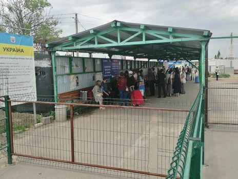 Госпогранслужба сообщила, что российские оккупанты препятствуют нормальному функционированию гуманитарных дорожных коридоров на Донбассе