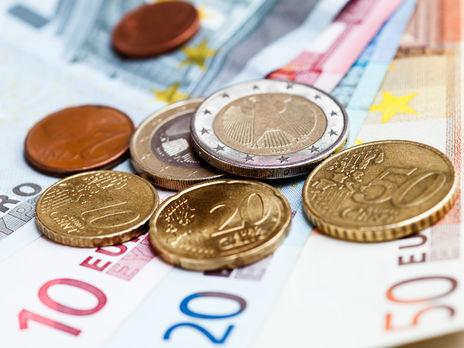 Курс гривны 19июня вобменниках ина«черном рынке»— Валюта дешевеет