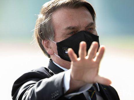 Бразильский президент, отрицавший коронавирус, заразился им