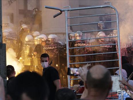 В ходе протестов сербская полиция задержала 153 человека