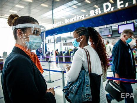 Французов обязали носить маски в закрытых помещениях, ранее эта норма действовала только в общественном транспорте