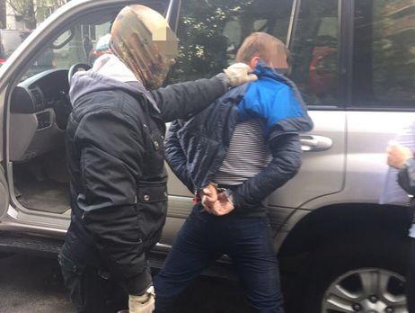 Навзятке 30 тыс. долларов задержали директораГП «Коневодство Украины»