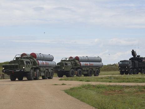 Російські військові провели масштабні протиповітряні навчання в анексованому Криму