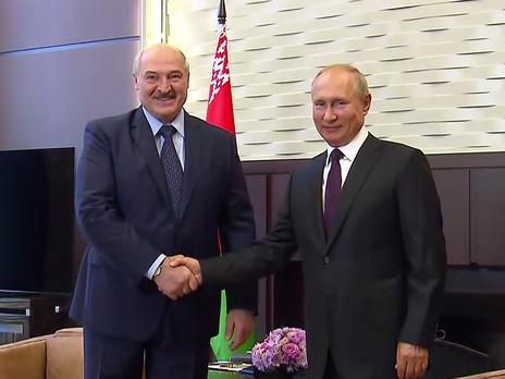 Это была первая встреча Путина и Лукашенко после президентских выборов 9 августа и начала массовых протестов в Беларуси. Ради неё белорусский лидер прибыл в Сочи в резиденцию Бочаров Ручей