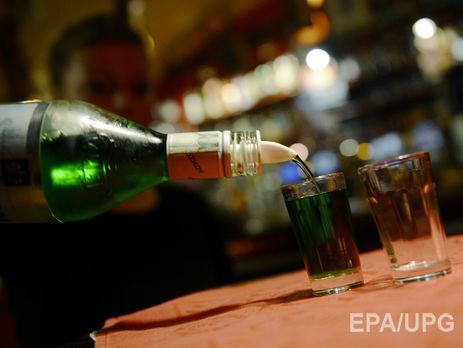 ВРубежном погибли две женщины, одна находится в клинике — Отравление спиртом