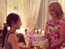 Дочь Волочковой отпраздновала 11-летие в компании подруг. Фоторепортаж