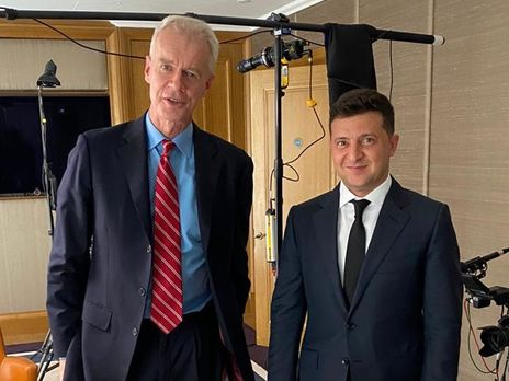 Известный британский тележурналист, ведущий HARDTalk Стивен Сакур и президент Украины Владимир Зеленский