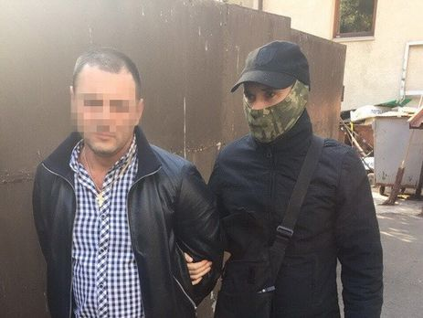 ВКиеве навзятке задержали 2-х чиновников Дарницкой РГА