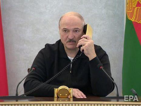 Лукашенко: Что касается президента Беларуси, он за власть посиневшими руками не держится