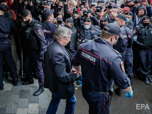 Суд пом'якшив російському акторові Єфремову вирок за ДТП зі смертельними наслідками