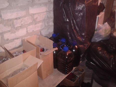 Двое жителей, причастных котравлению людей суррогатным спиртом вЛимане, арестованы— генпрокуратура