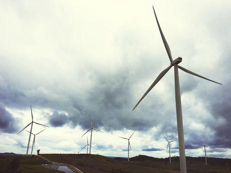 Українська вітроенергетична асоціація заявила, що цю норму потрібно негайно виключити із законопроєкту і зняти з порядку денного податкового комітету