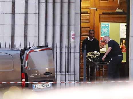 В результате теракта в Ницце погибло три человека