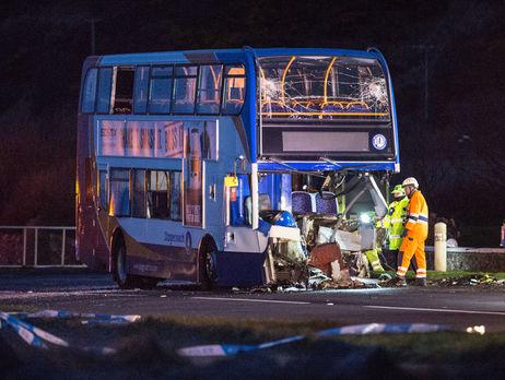 ВШотландии разбился автобус сболельщикамиФК «Рейнджерс», большое количество раненых