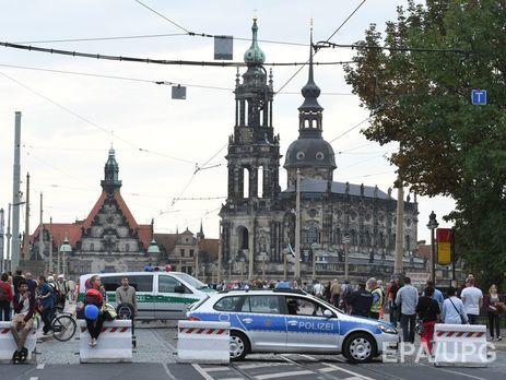 ВДрездене сожгли три полицейские машины— Германское единство