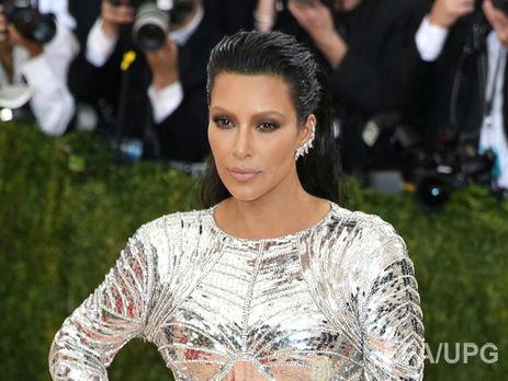 Ким Кардашян взяли взаложники вномере парижского отеля