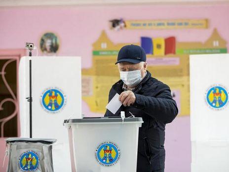 В Молдове 15 ноября проходит второй тур выборов президента