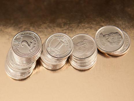 Гривна подорожала по отношению к доллару и подешевела относительно евро