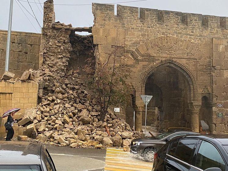 В Дагестане дожди разрушили часть крепости VI века