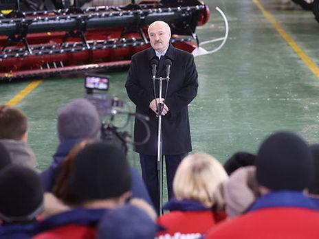Лукашенко: Мы уберем эту фашистскую символику из нашего общества, сделаем это красиво