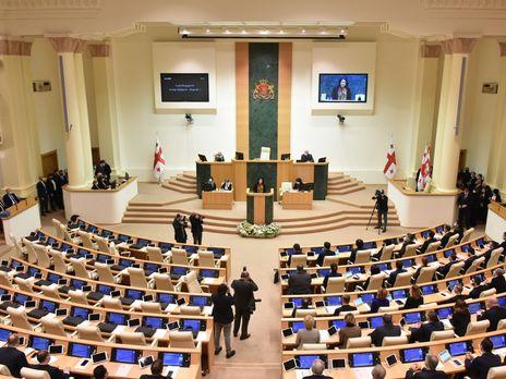 Оппозиция не пришла на первое заседание парламента нового созыва
