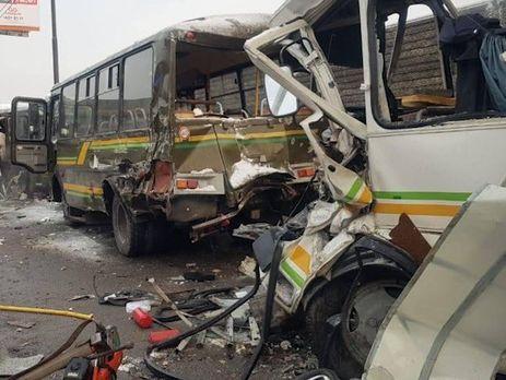 Водій вантажівки, за даними ЗМІ, не постраждав