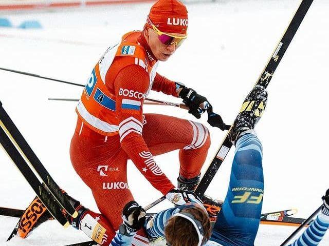 Російський лижник, який ударив суперника, не згоден із дискваліфікацією