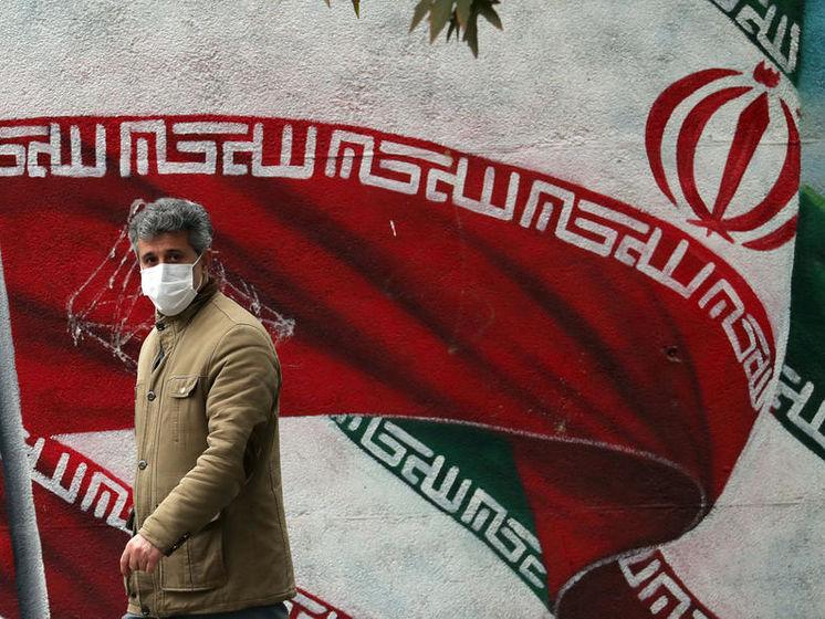 Байден і Макрон домовилися взятися за ядерну проблему Ірану