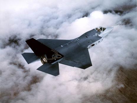 Среди оружия, продажа которого временно приостановлена, истребители F-35