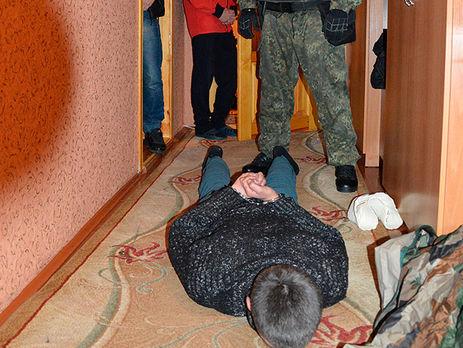 ВЛуцке задержанный взял взаложники 2-х конвоиров и убежал