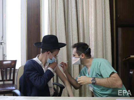 Израиль один из мировых лидеров по количеству введенных доз вакцины
