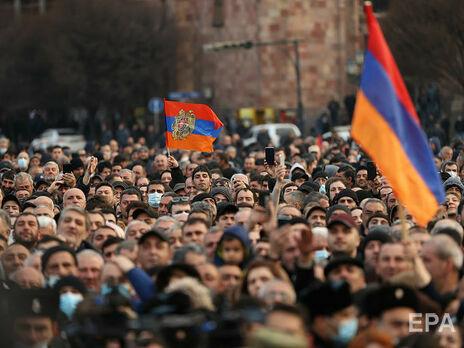Армянская оппозиция требует отставки премьера Никола Пашиняна