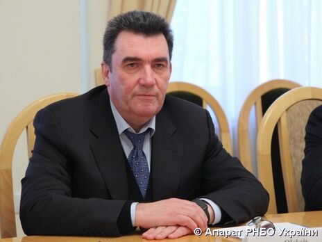 В Украине будут бороться с двойным гражданством у депутатов и чиновников – Данилов о решении СНБО