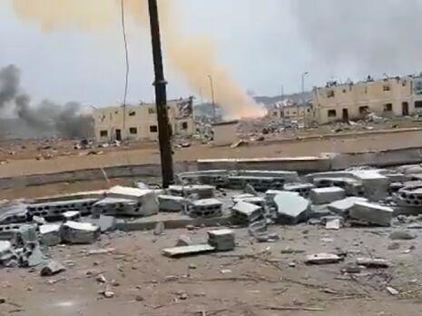 На месте взрывов остались руины