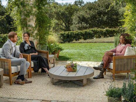 Принц Гарри и его жена Меган рассказали Уинфри, какой была их жизнь в королевской семье Великобритании