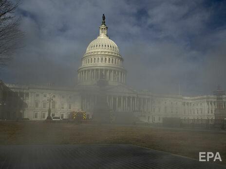 Протестующие взяли штурмом здание Капитолия в январе