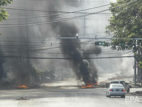 Військові у М'янмі 1 лютого усунули від влади уряд Аун Сан Су Чжі